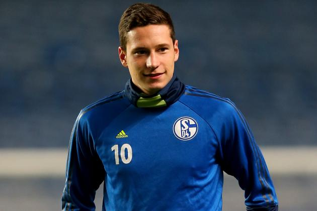 hi-res-186993691-julian-draxler-of-fc-schalke-looks-on-during-a-training_crop_north