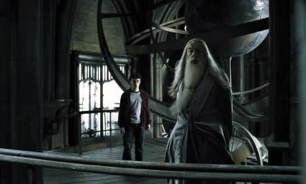 harry_and_dumbledore_at_the_astronomy_tower_hbp