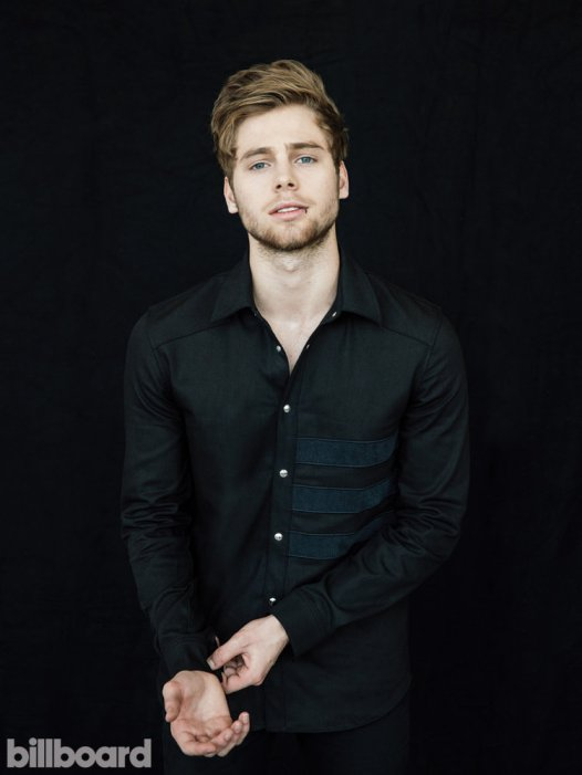 5sos-5-seconds-of-summer-luke-hemmings-bb25-2015-billboard-02-750