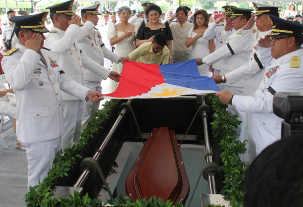 leni-robred-marcos-burial-stunned-4