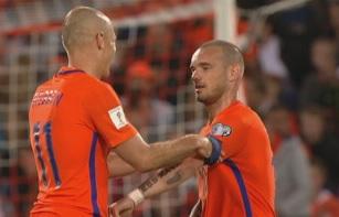 sneijder robben captain change