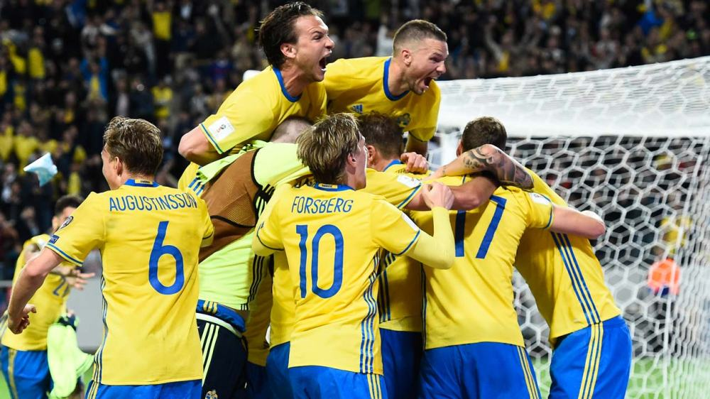 Sweden Football Team Wallpapers-3