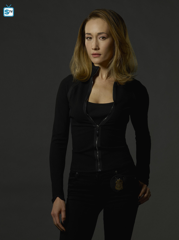 Maggie-Q-as-Hannah-Watts-designated-survivor-39939334-2250-3000